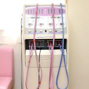 干渉低周波施術器